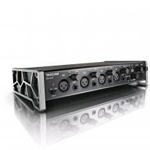 Tascam US-4x4 USB Audio- & MIDI-Interface