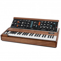 (B-Ware) Moog Minimoog Model D Walnut analogue synthesizer